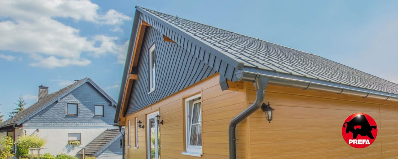 PREFA Metalldach mit Fassade in Holzoptik
